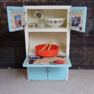 Mini kitchen cabinet