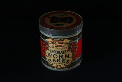 Tin of Chocolate Worm Cakes
